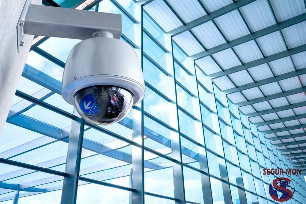 Puc posar càmeres de seguretat a la meva empresa? | Segur-Mon
