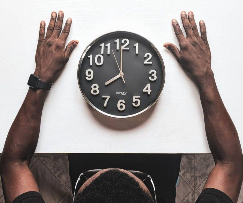 Registre horari: i si qui no compleix la normativa és un treballador/a?